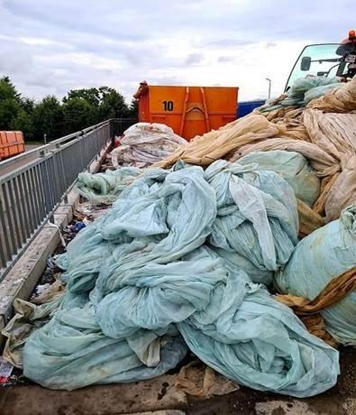 Pomoc w usuwaniu folii rolniczych i innych odpadów