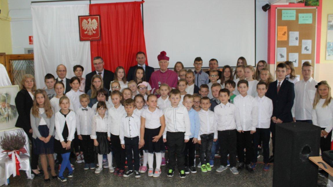 Wizyta Biskupa w SP. w Wiadrowie